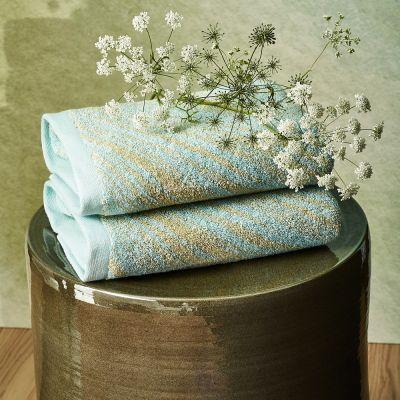 Au Loin Towel Collection