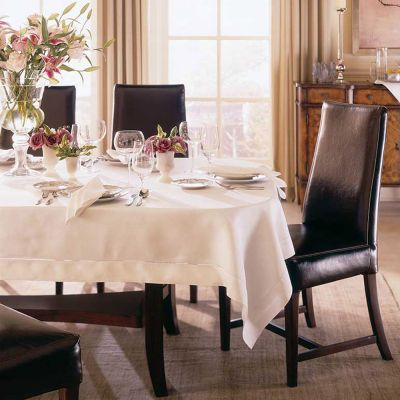Classico Tablecloth Collection
