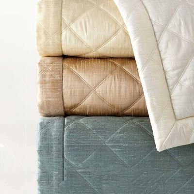 Dupione Big Diamond Quilts