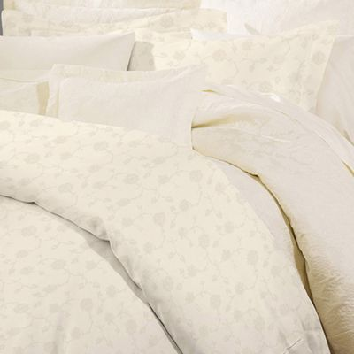 Giza 45 Jacquard Bedding Collection