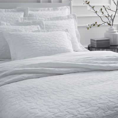 Lansone Coverlet & Shams