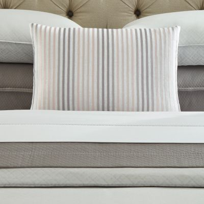 Lineare Decorative Pillow in White/Silver