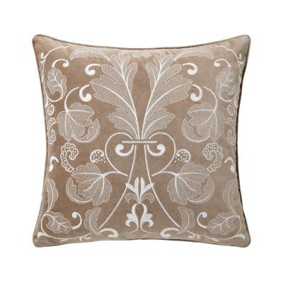 Tenue Chic Decorative Pillow