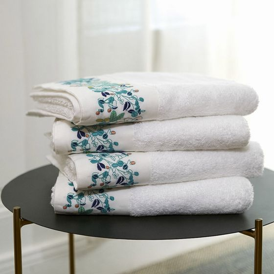 Flora Towels By Yves Delorme Brass Bed Fine Linens